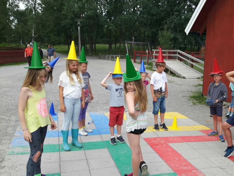 Både på ¤H-klubben och -gården leker vi lekar, pysslar, bakar m.m. Bild från Akalla 4H. Foto: Erica Svensson